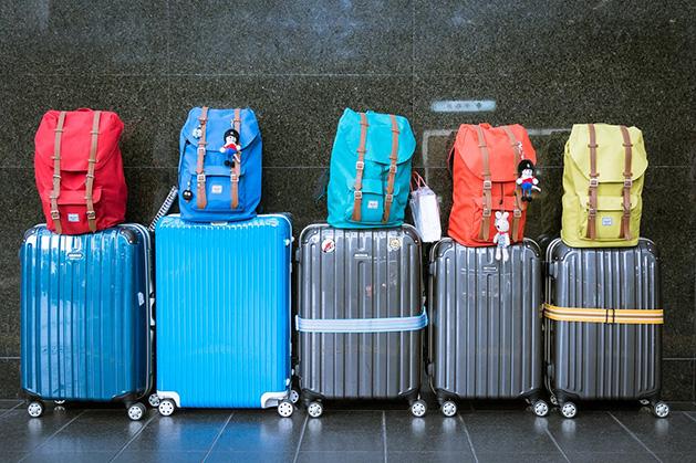 手荷物のスーツケース