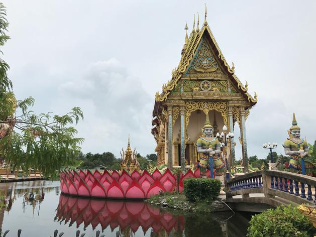 ワット・プライ・レーム(Wat Plai Laem)の本堂