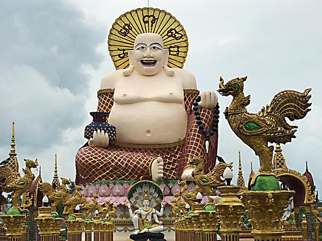 ワット・プライ・レーム(Wat Plai Laem)のプラ・サンカチャイ像