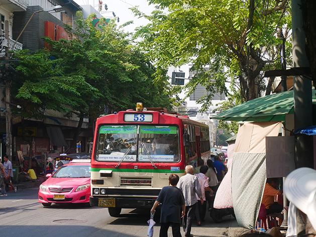 バンコクの赤バス